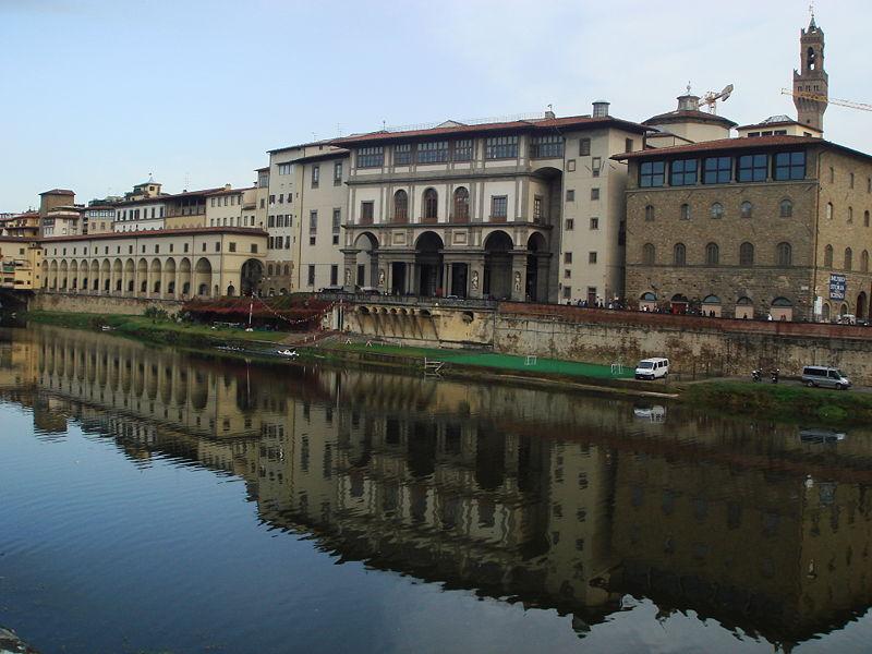 File:9749 - Firenze - L'Arno e gli Uffizi - Foto Giovanni Dall'Orto, 27-Oct-2007.jpg