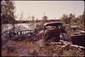 ABANDONED AUTOMOBILES ALONG THE MISSISSIPPI RIVER - NARA - 546173.tif