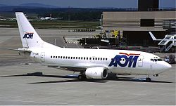 AOM French Airlines Boeing 737-500 KvW.jpg