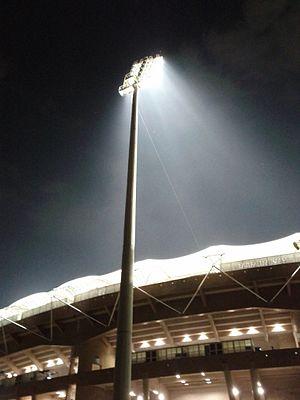 A flood light at the D Y Patil Stadium (5739171528).jpg