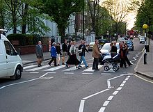 Abbey Road Zebra crossing 2004-01.jpg