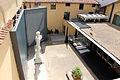 Accademia di Firenze, veduta sul cortile del museo dell'accademia 02.JPG