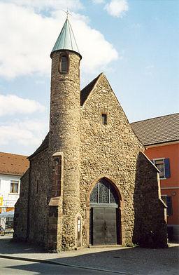 Acherns gotische Nikolauskapelle - schönstes Bauwerk der Stadt.