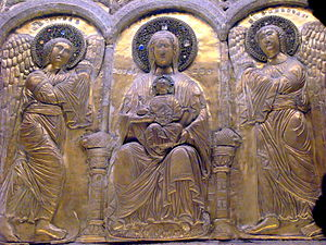 Altarpiece of Pellegrino II - Triptych of the altarpiece showing Mary with the Child Jesus on her lap, flanked by two archangels