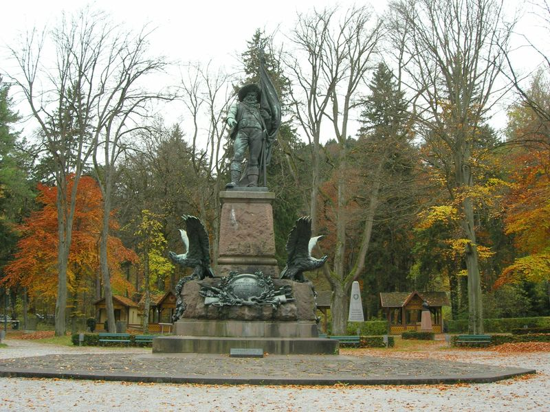 File:Andreas-hofer-statue.jpeg