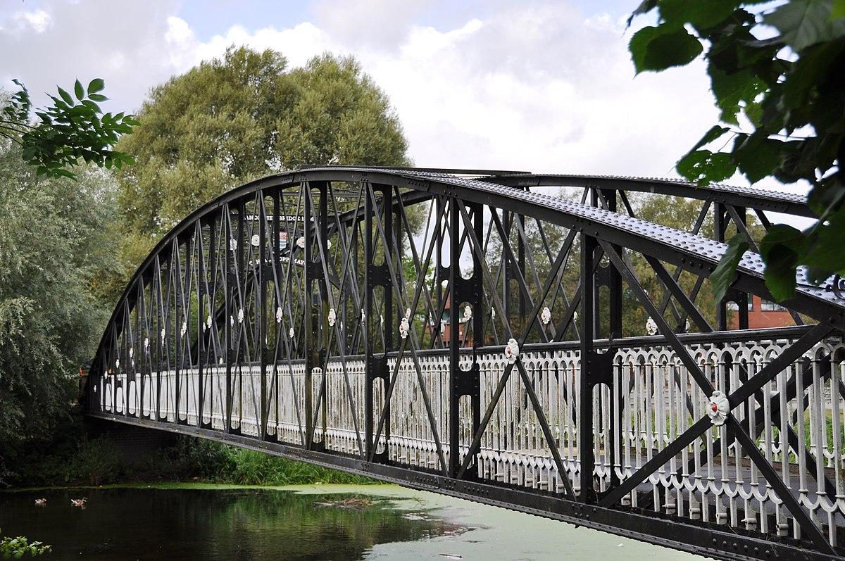 Andresey Bridge - geograph.org.uk - 1708709.jpg
