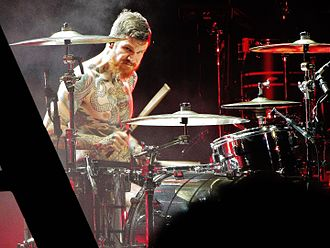 Andy Hurley Wikiquote