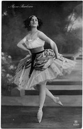 Anna Pavlova as Lise in the Pas de ruban from the Petipa/Ivanov/Hertel La Fille Mal Gardée. St. Petersburg, 1912.