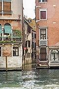 Aperture of Rio San Giovanni Crisostomo on Grand Canal (Venice).jpg