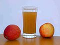 Apple juice with 2apples.jpg