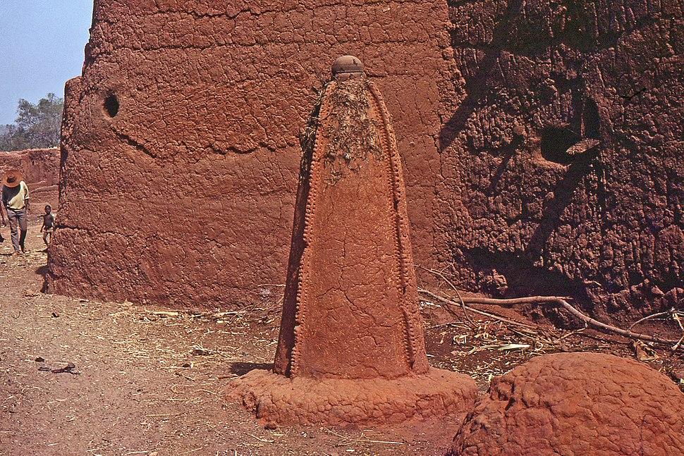 Autel animiste. Village Bozo, Mopti, Bandiagara, Mali. Date du clich%C3%A9 25-12-1972