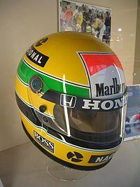 Senna sisakja