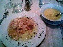 Baccalà con polenta semiliquida, tipica del vicentino