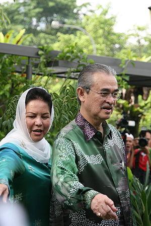 Abdullah Ahmad Badawi - Badawi with his wife, Jeanne Abdullah