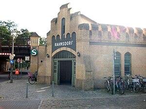 Berlin-Rahnsdorf station - Entrance building