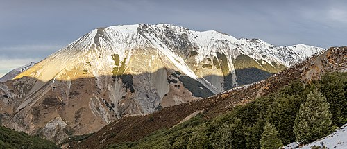 Baldy Hill from Snowslide Valley, Craigieburn Range, Canterbury, New Zealand.jpg