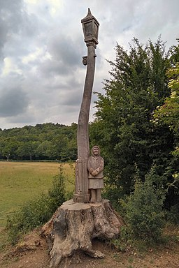 Banstead Woods, Narnia trail, Girl by lamppost
