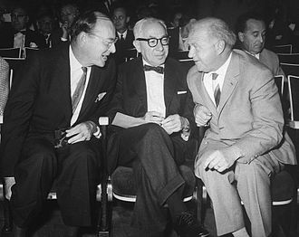 Isidor Isaac Rabi - Rabi with fellow Nobel Prize laureates John Bardeen (left) and Werner Heisenberg (right) in 1962