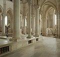 Basilique Sainte-Marie-Madeleine de Vézelay PM 46558.jpg