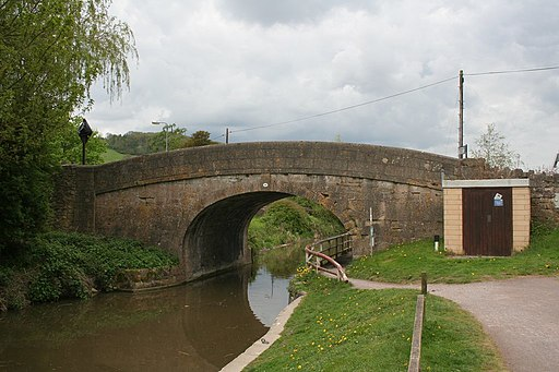 Bathampton Bridge - geograph.org.uk - 1838324