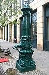Berlin, Mitte, Zinnowitzer Strasse, Wasserpumpe.jpg