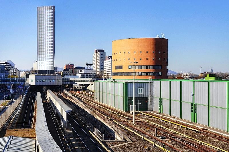 File:Betriebsbahnhof Erdberg Leitstelle.JPG