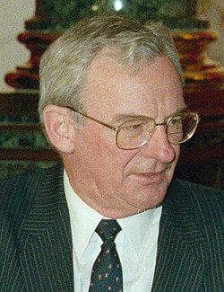 Bill Hayden 1988.jpg
