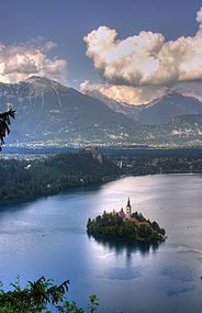Bled island view HDR.jpg