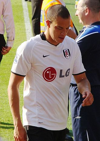 Bobby Zamora - Zamora playing for Fulham in 2009