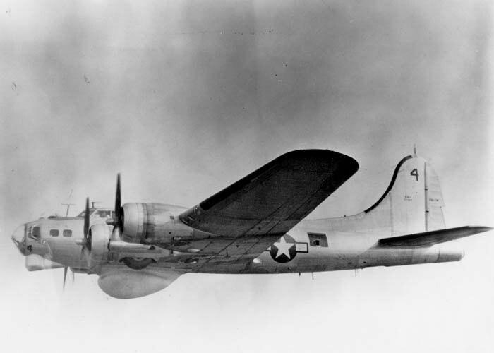Boeing PB-1W in flight