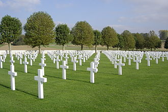 Somme American Cemetery and Memorial - Image: Bony 01