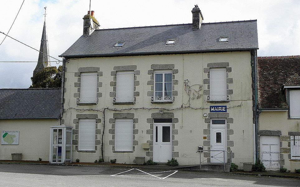 Mairie de Boulay-les-Ifs (53).