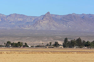 Black Mountains (Arizona) - Image: Boundary Cone from Mohave Valley 1