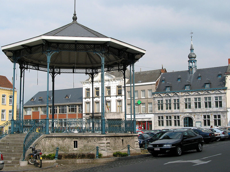 Braine-le-Comte (Belgium),  the bandstand and the town hall.
