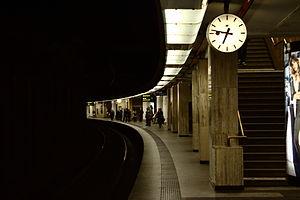 Brussels Central Station - Image: Brusel, Gare Centrale, nástupiště