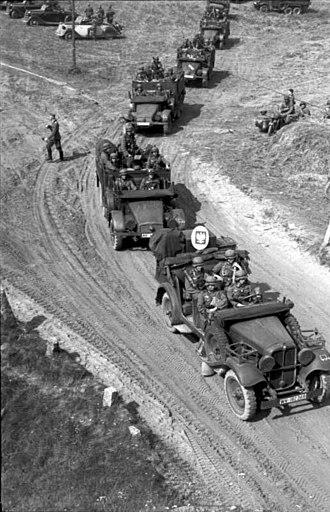 3rd Light Division (Wehrmacht) - Image: Bundesarchiv Bild 101I 121 0010 20, Polen, Kolonne motorisierter deutscher Truppen