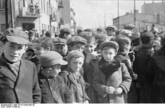 Łódź Ghetto - Image: Bundesarchiv Bild 101III Schilf 002 30, Polen, Ghetto Litzmannstadt, Bewohner