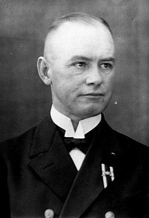 Conrad Albrecht - Image: Bundesarchiv Bild 102 09531, Konteradmiral zur See Albrecht