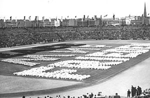 Stadion der Weltjugend - Image: Bundesarchiv Bild 183 11500 1062, Berlin, III. Weltfestspiele, Eröffnungsfeier