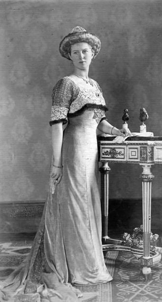 Princess Victoria Adelaide of Schleswig-Holstein - Image: Bundesarchiv Bild 183 1989 1010 501, Viktoria Adelheid von Sachsen Coburg und Gotha