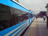 File:CSR EMU llegando a la estación City Bell .webm