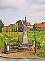 Camps-en-Amienois - Monument aux morts - WP 20190511 11 17 12 Rich.jpg