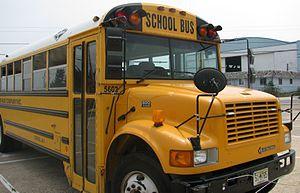 Carpenter Classic 2000 bus 1.jpg