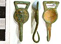 Cast copper alloy Tudor dress hook (FindID 244554).jpg