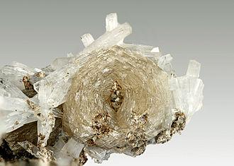 Natrolite - Image: Catapleiite, Natrolite 168971