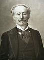 Charles Haas en 1895 par Nadar.jpg