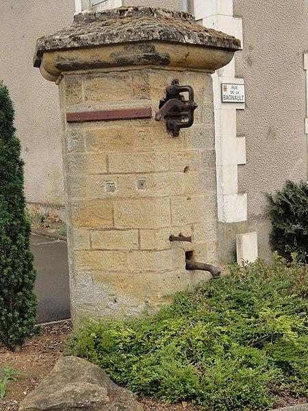 Chenières (Meurthe-et-M.) pompe