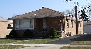 """""""Chicago bungalow"""" with detached gar..."""