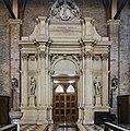 Chiesa di San Lorenzo a Vicenza - Interno - Altare Capra.jpg