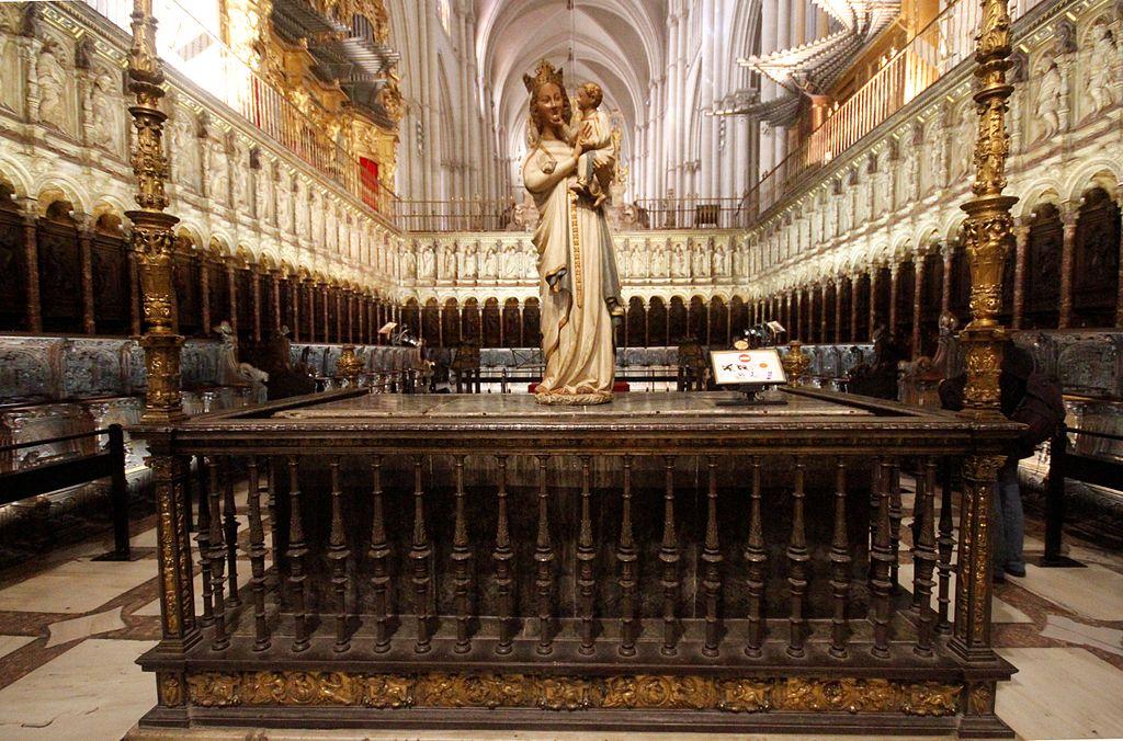Choir & the Virgen Blanca - Cathedral of Toledo.JPG